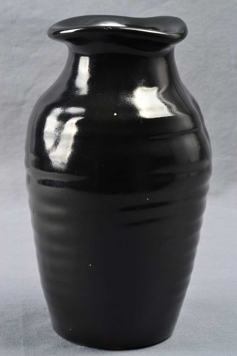 Camark Pottery 1920 30 Mirror Black Ribbed Pinched Rim Vase Ifc The Kings Fortune