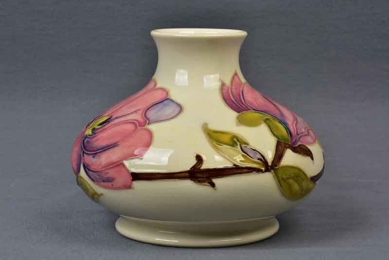 Moorcroft Pottery 1950 86 Pink Magnolia White Vase Other Pottery Products The Kings Fortune