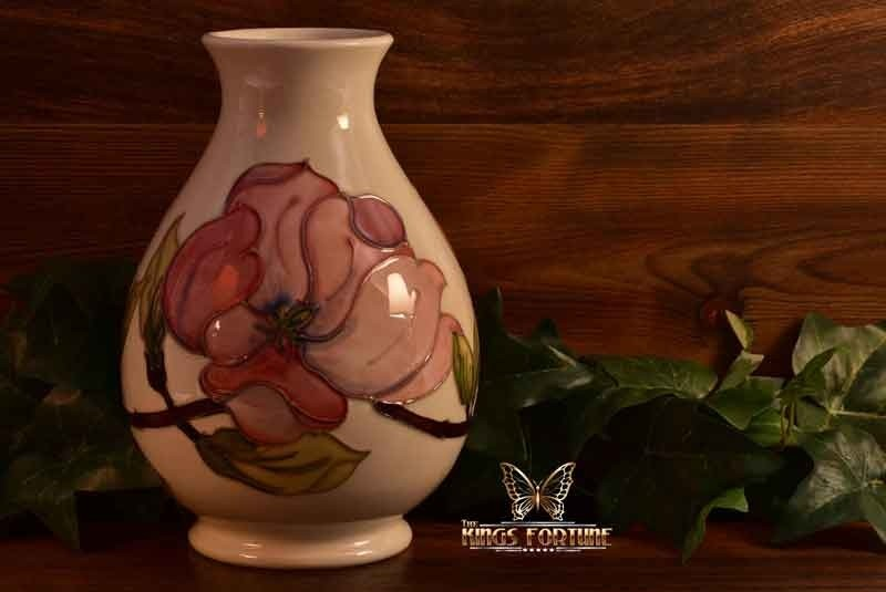 Moorcroft Pottery 1950 86 Pink Magnolia White Lobed Shape Vase Wm Products The Kings Fortune