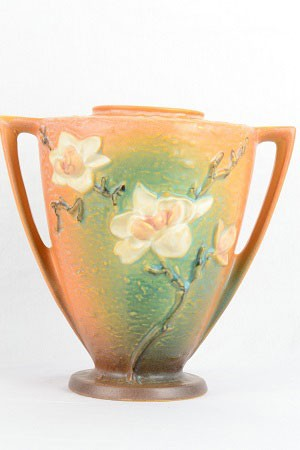1943 Roseville Magnolia Brown 2 Handle Vase 94 9 14500 The