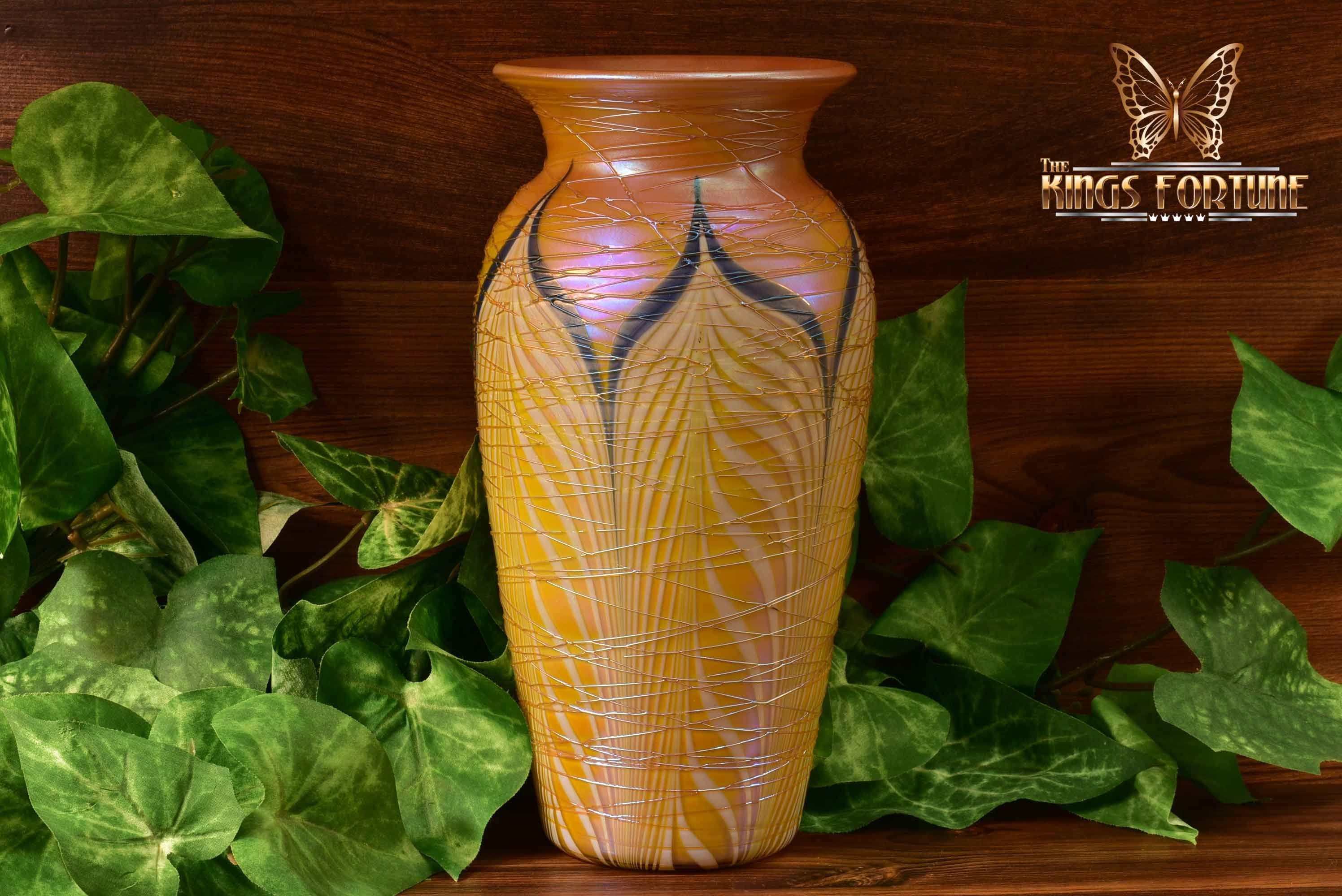 Durand Art Glass 1925 Tiffany Iridescent Pulled Feather Threaded Vase