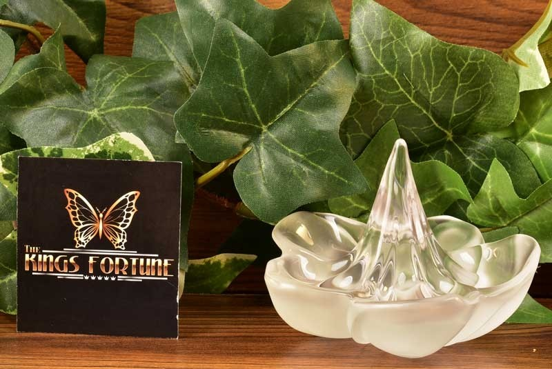 Lalique Crystal Ring Holder 1995 Frangipanier Ring Holder with Box
