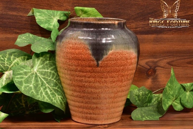 Muncie Pottery 1929 Black Peachskin Ribbed Vase #430