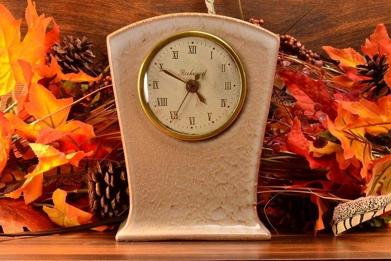 Vintage Rookwood Pottery Clock in Beige (Shape #7048), 1950