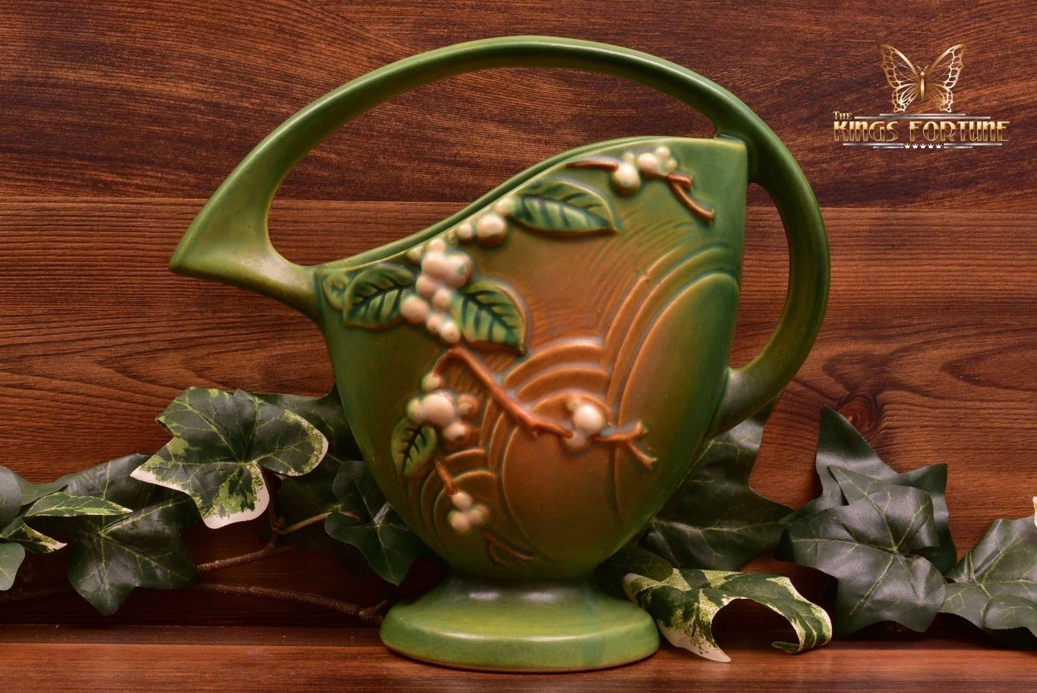 Roseville Pottery 1947 Fern Green Snowberry Basket #18K-8