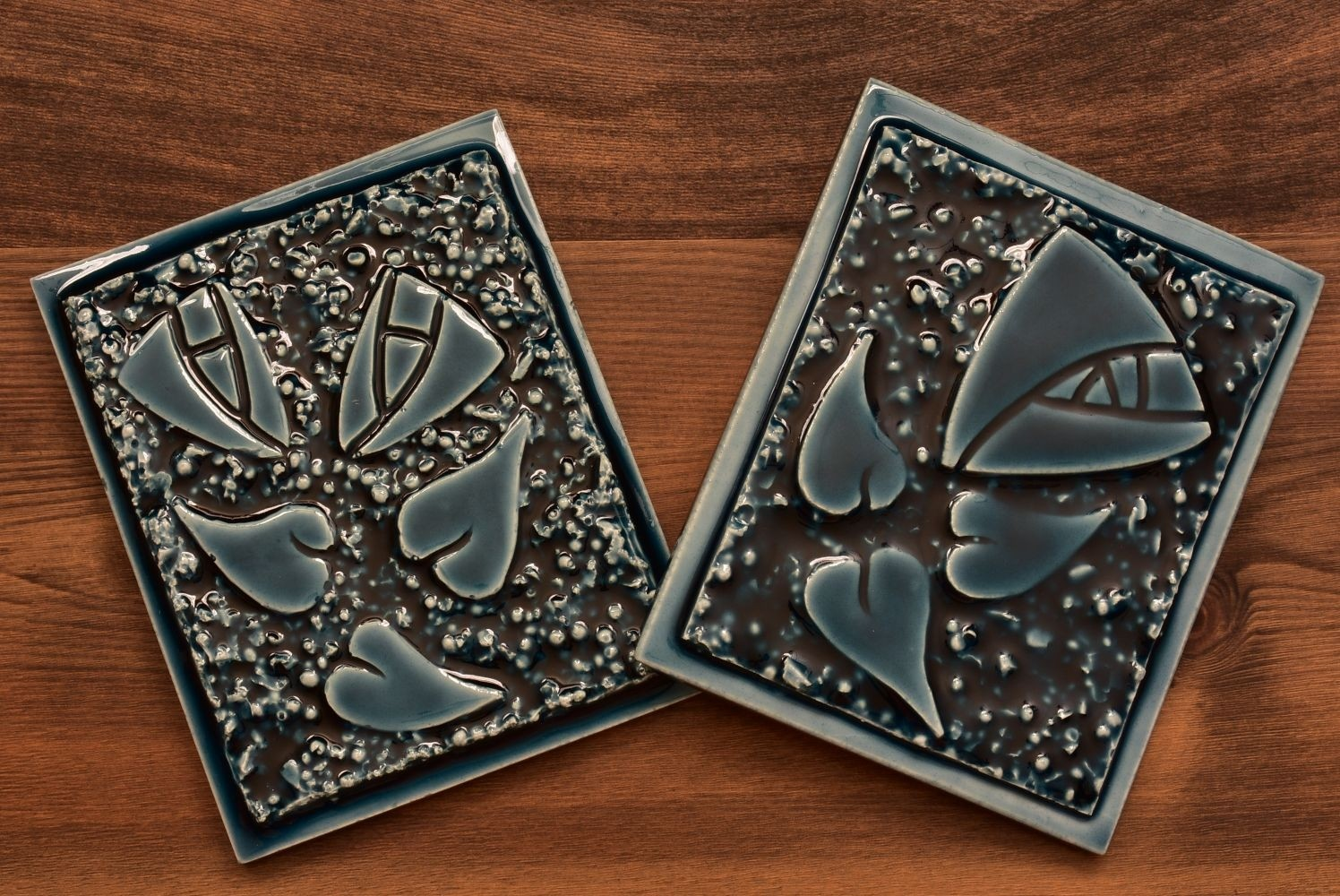 Roseville Pottery 2020 Midnight Blue Mostique Rose Tile Set