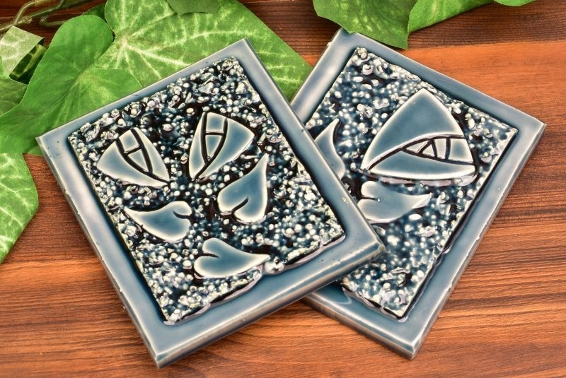 Roseville Pottery 2019 Midnight Blue Mostique Rose Tile Set