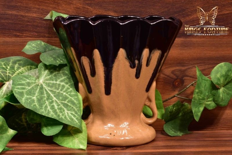 Zanesville Stoneware Pottery 1910-20 Black Gold Ebonello Fan Vase #851