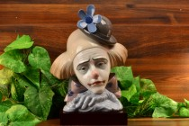 Lladro 1982 Pensive Clown #5130 with Wood Base