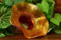 """Northwood Glass 1900""""s Grape and Cable Marigold Ruffle Squat Hat"""