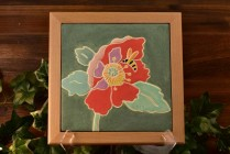 Roseville Pottery Tile 2017 'THE BEE AND THE POPPY'